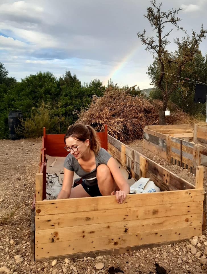 off-grid life raised beds