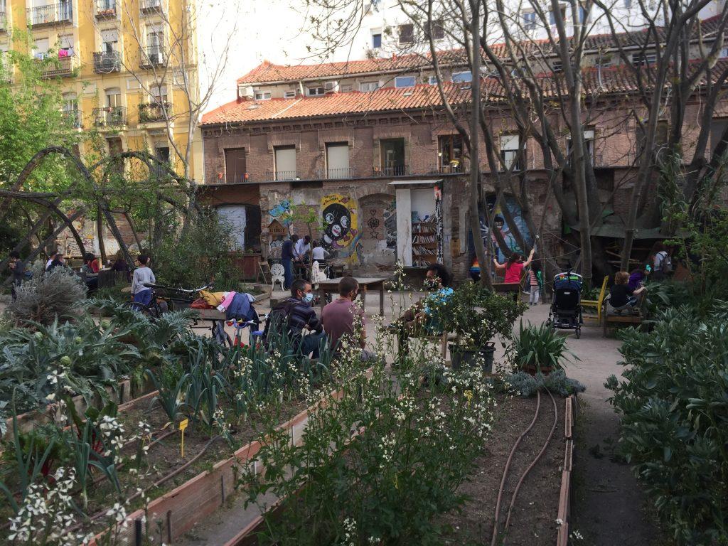 Community garden Esta es Una Plaza